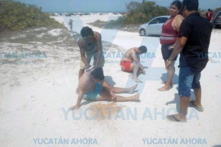 Cinco jóvenes meridanos casi se ahogan en Chuburná Puerto