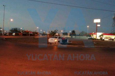 Borracho se 'monta' en una glorieta en Ciudad Caucel