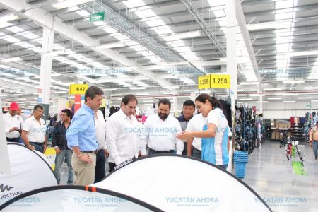 Concretan alianza para impulsar el deporte en los municipios de Yucatán