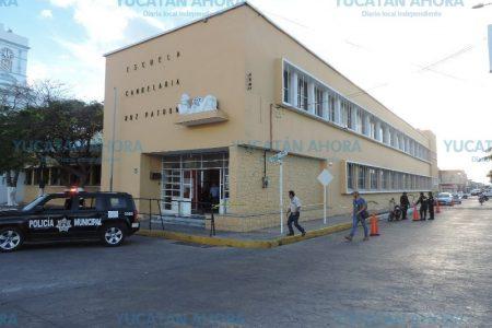 No solo bares, también las escuelas se desmoronan en Progreso