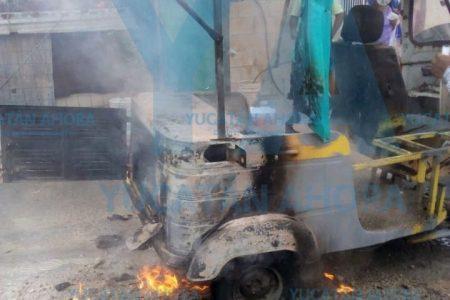 Se quema mototaxi en Jardines de Mulsay