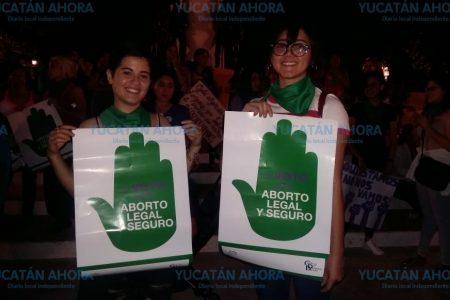 Se asoman en Mérida los pañuelos verdes pro aborto
