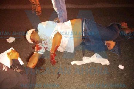 Joven motociclista choca un triciclo y deja tres heridos
