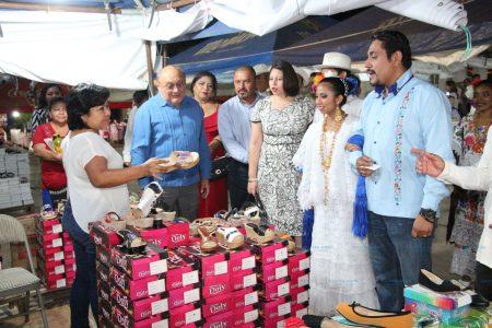 Con gran éxito realizan la Feria Zapatera de Ticul
