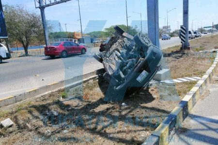 Circulan en Yucatán casi 900 mil vehículos