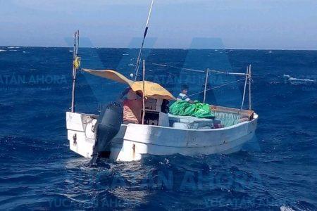 Rescate de lancha tiburonera que quedó a la deriva al norte de Yucatán