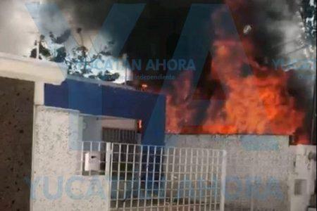 Volquete causa desastroso incendio en Francisco de Montejo