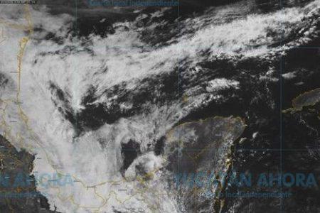 Frente frío 48 'abraza' la Península de Yucatán