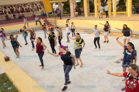 Bailan con sus bebés y promueven paisajes de Yucatán