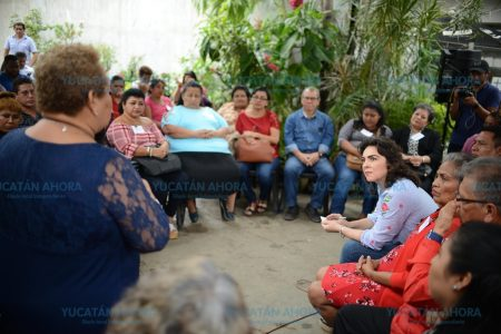 Ivonne Ortega reconoce que la soberbia y la simulación hundieron al PRI