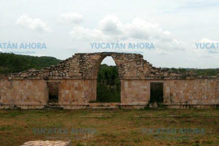 Estrena carretera zona arqueológica de Oxkintok