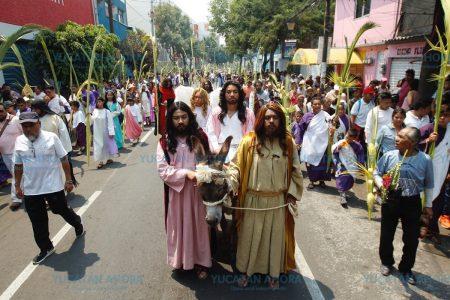 Medios capitalinos destacan que en Iztapalapa la fe 'soporta hasta 30 grados'