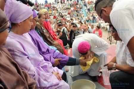 Comunidad del Cereso de Mérida celebra la misa de lavatorio de pies