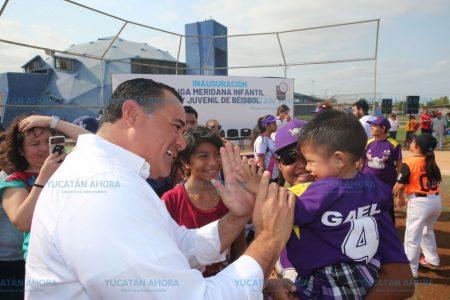 Renán Barrera inaugura la Liga Meridana Infantil y Juvenil de Béisbol