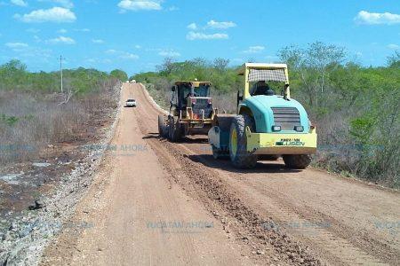 Rehabilitan camino de Huhí a Sotuta