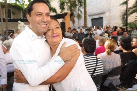 Mauricio Vila encabeza homenaje a las madres yucatecas