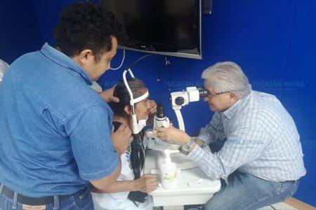 Valoran a pacientes que serán operados de cataratas
