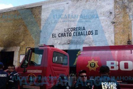 Se quema conocida licorería: pérdidas de 400 mil pesos