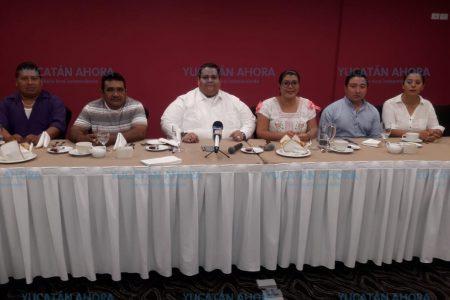 Masiva renuncia en el PRD: siete mil abandonan a Cuevas Mena
