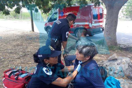 Madre e hijo heridos al derrapar con una moto prestada