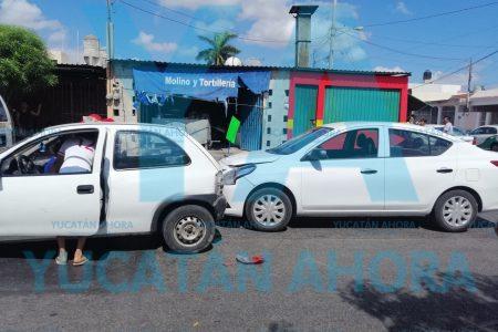 Mujer lesionada al ser chocada por una conductora que no midió su distancia