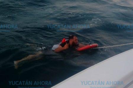 Naufragan pescadores meridanos: los rescatan a 16 km de Progreso