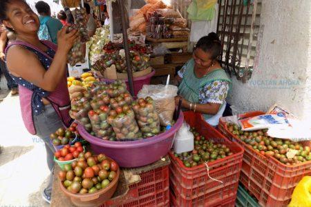 Ciruelas, el talkú de las 'marchantes' del centro de Mérida