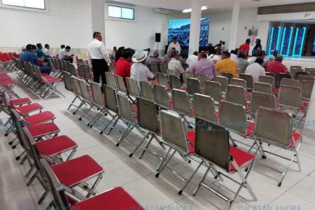 Fracasa asamblea de taxistas para convocar a paro nacional