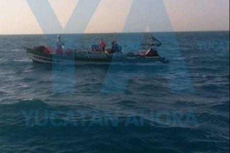 Falla en el motor lo deja a la deriva con su pesca de sardina