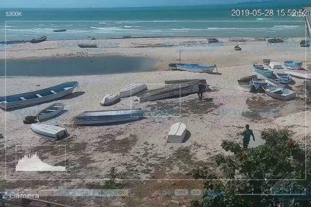 Sorprenden a sujeto ensuciando la playa en Progreso