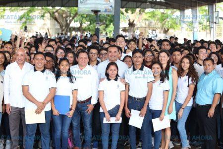 El Ayuntamiento de Mérida respalda desarrollo educativo de la juventud