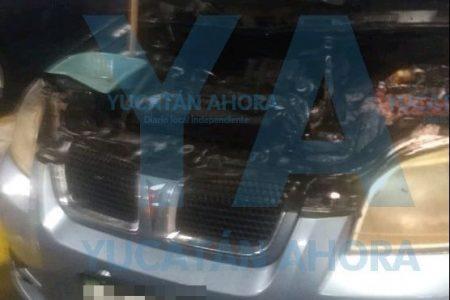 Se quema auto en estacionamiento subterráneo de Plaza Up Town