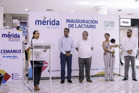 El Ayuntamiento inaugura el primer lactario en una plaza comercial