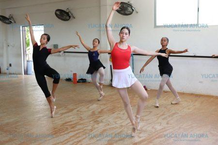 Bailarines yucatecos inician ensayos con afamado coreógrafo