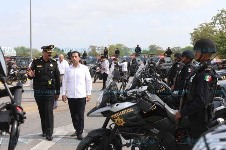 Mauricio Vila inicia la entrega de 350 nuevas patrullas para la SSP