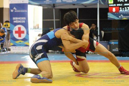 Cuatro medallas para Yucatán en luchas: una plata y tres bronces