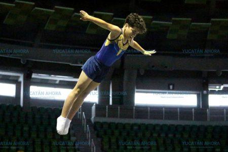 Yucateco se acerca a zona de medallas en gimnasia de trampolín