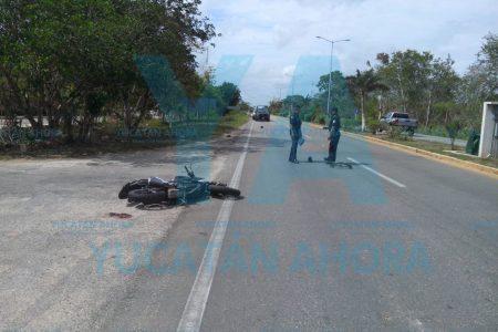 Moto arrolla a una ciclista y la deja con tres fracturas