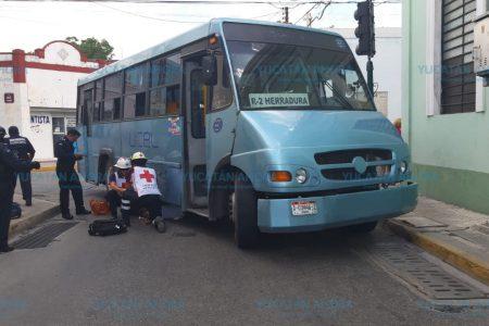 Camionero atropella a una ciclista en el centro meridano