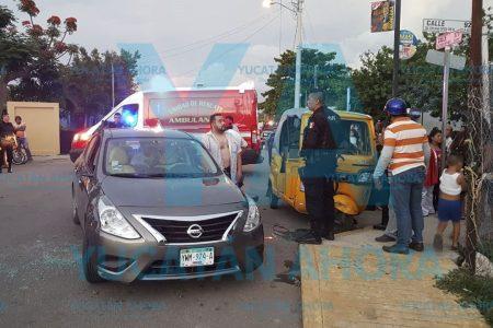 Ignora el alto y choca un mototaxi: cinco heridos