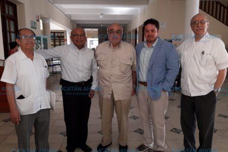 Doctor yucateco realiza innovadoras cirugías de columna