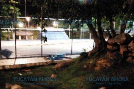 Joven futbolista muere electrocutado en un parque