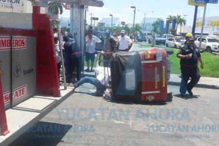 Taxi colectivo manda a volar a un mototaxi