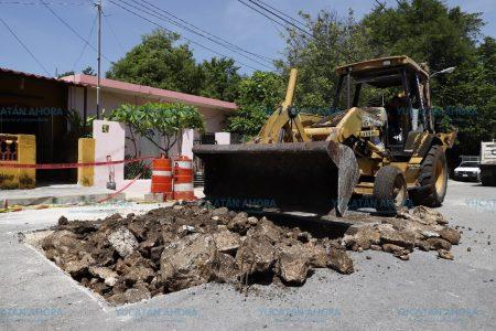 El Ayuntamiento repara socavón en el centro-sur de Mérida