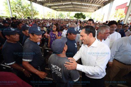 Burócratas, pieza fundamental para transformar Yucatán: Mauricio Vila