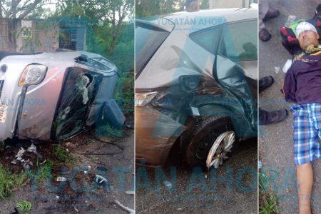 Conductora se vuela el alto y provoca aparatoso accidente