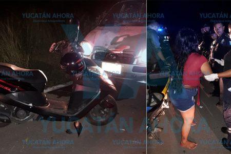 Choque entre tres alcoholizados: dos conductoras en moto y uno en auto