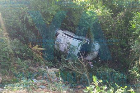 Conductora sale ilesa tras dormitar y sufrir aparatoso accidente