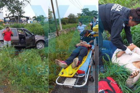Tres atropellados por un auto chocado por otro que huye