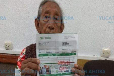 Viuda y pobre, le llega de 8 mil pesos su recibo de la CFE